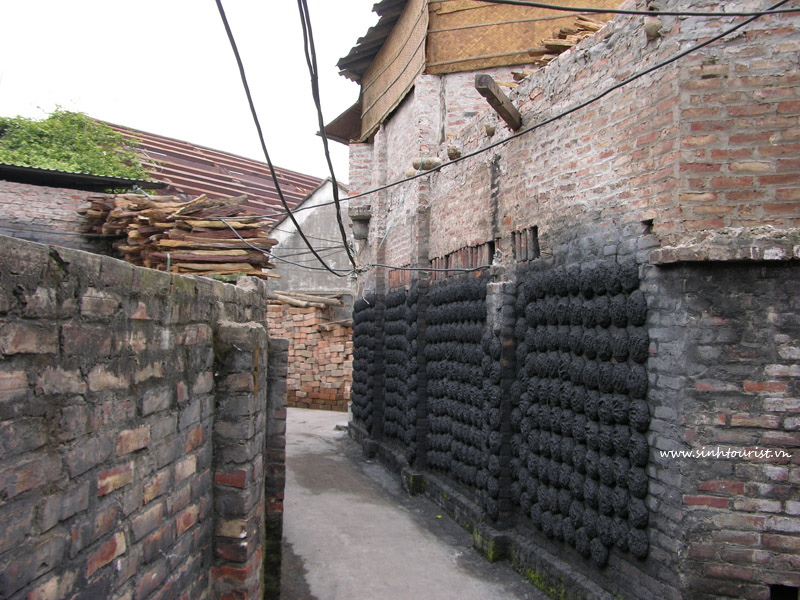 BatTrang ceramics village